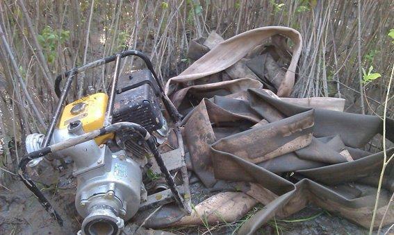 На Житомирщині під час незаконного видобутку бурштину затримано рівненчан (фото) - фото 1