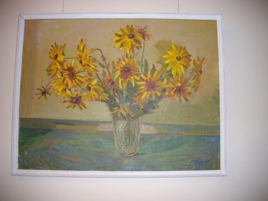 У залі обласної бібліотеки для юнацтва функціонує нова виставка робіт подільських художників (фото) - фото 2