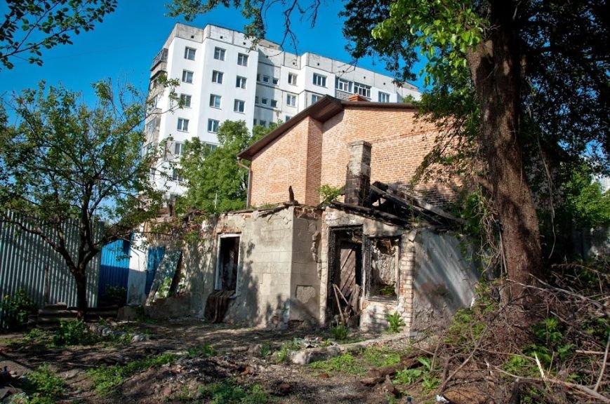 Полтавка благає про допомогу: чотири роки вона живе у напівзруйнованому будинку (фото) - фото 1