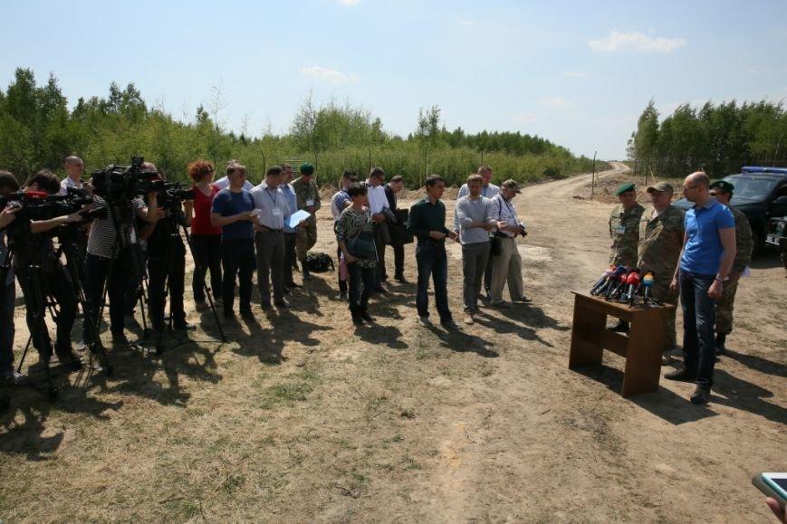 Арсений Яценюк в свой день рождения проверил надежность черниговской границы (фото) - фото 4