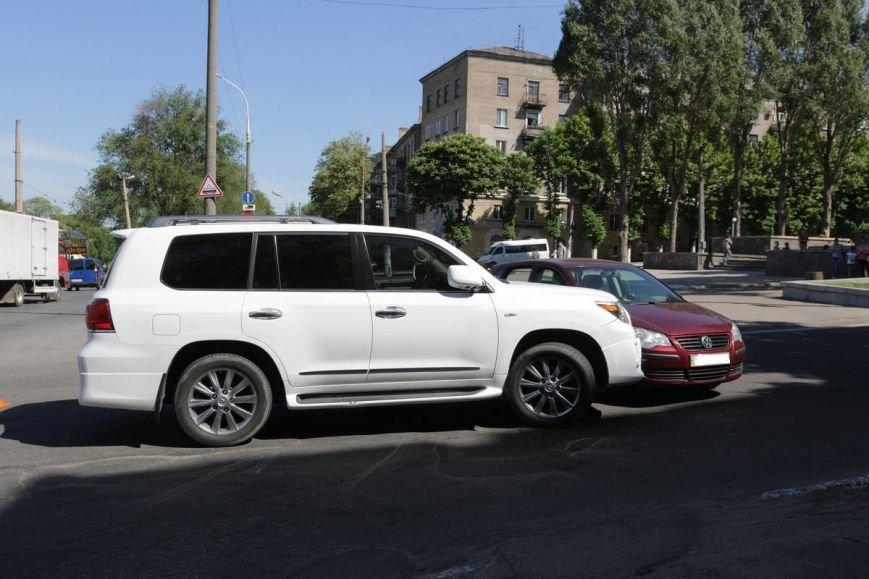 ДТП в центре Днепродзержинска (фото) - фото 1
