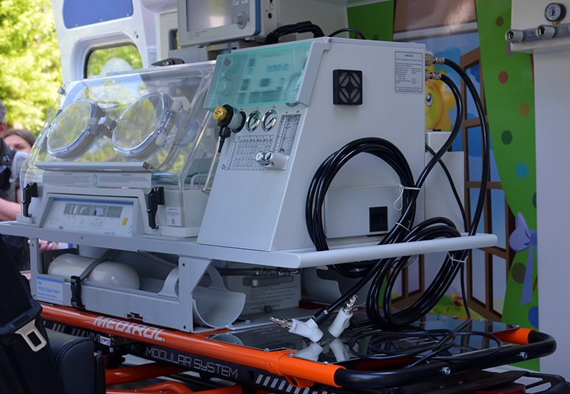 Институту Амосова передали уникальный кардиомобиль (ФОТО) (фото) - фото 2