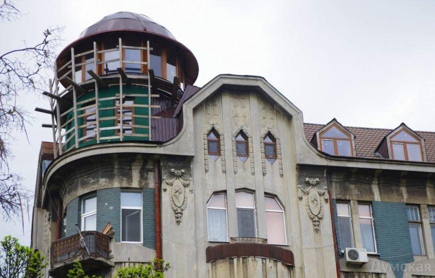 Незаконная мансарда экс-прокурора разрушает 100-летний памятник архитектуры в Одессе (ФОТО) (фото) - фото 1