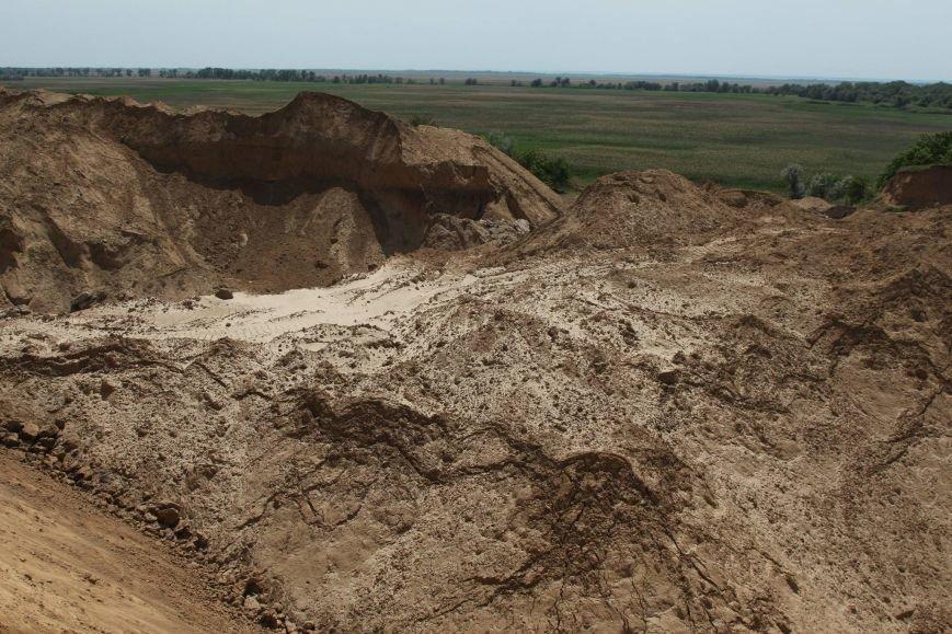 Под Одессой в зоне дневнего поселения незаконно добывают песок (ФОТО) (фото) - фото 1