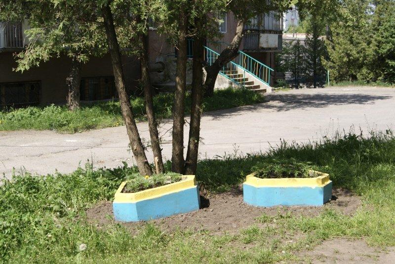 Тернопільські пенсіонери долучаються до благоустрою міста (фото) (фото) - фото 1
