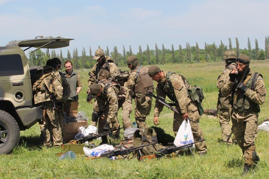 На полигоне под Днепропетровском чехи передали украинским бойцам необходимое оборудование (ФОТО), фото-1