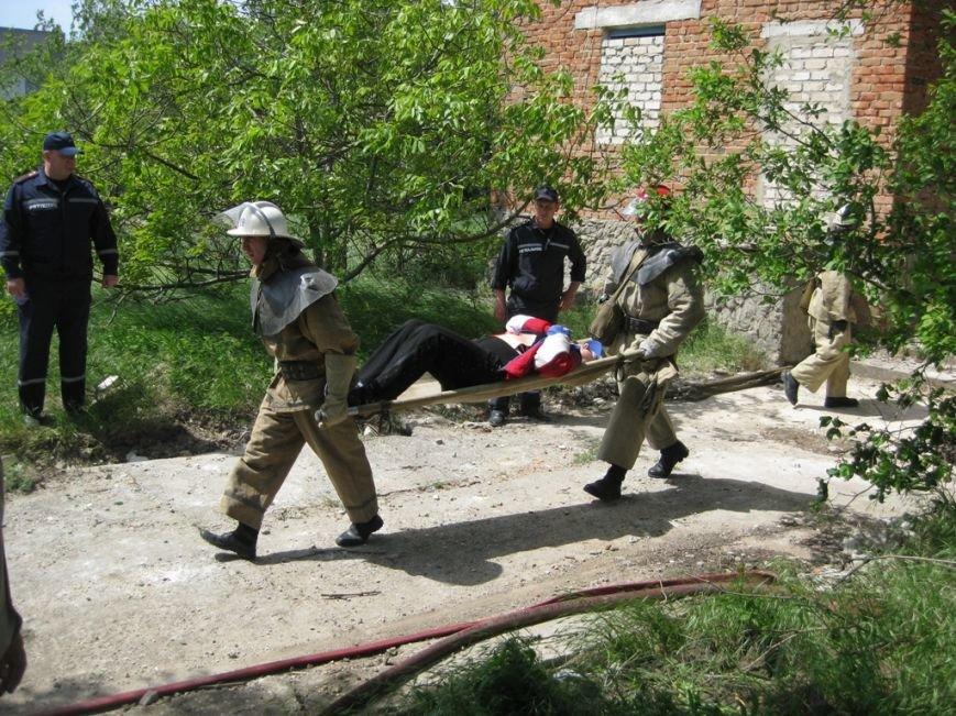 В Скадовске спасатели отрабатывали учебную тревогу (фото) (фото) - фото 2