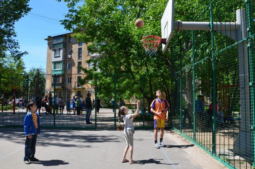 В спортивном мариупольском дворе соревновались взрослые и дети (ФОТО), фото-9