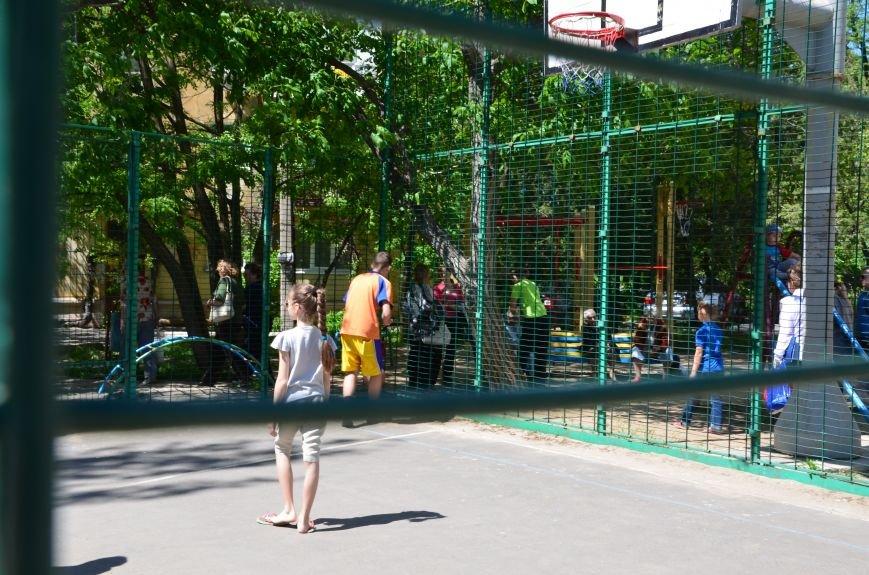 В спортивном мариупольском дворе соревновались взрослые и дети (ФОТО), фото-6