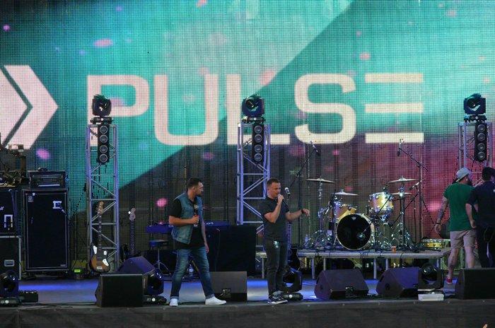 Николаевцы объединились в молитве на рок-концерте (ФОТО) (фото) - фото 17