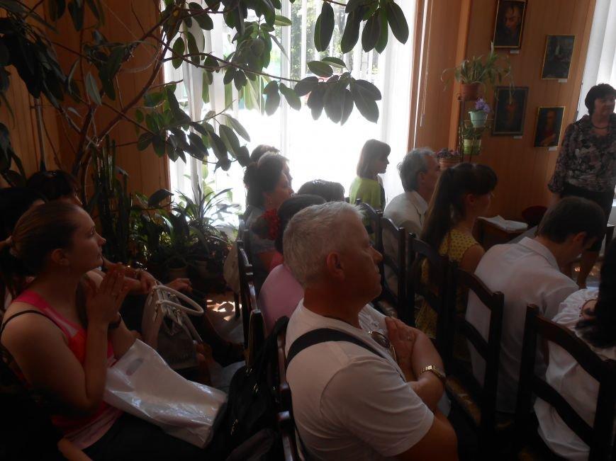 В Днепродзержинске подвели итоги литературного конкурса «VivArt» (фото) - фото 4