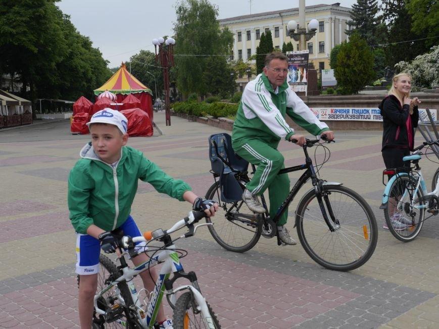У Тернополі півсотні спортсменів влаштували велопробіг (ФОТО) (фото) - фото 2