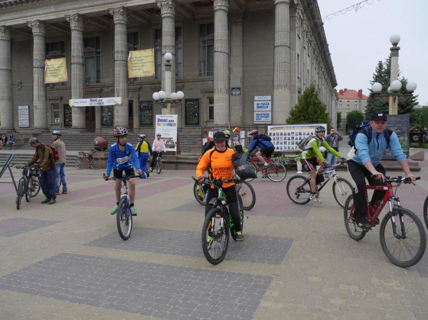 У Тернополі півсотні спортсменів влаштували велопробіг (ФОТО) (фото) - фото 3
