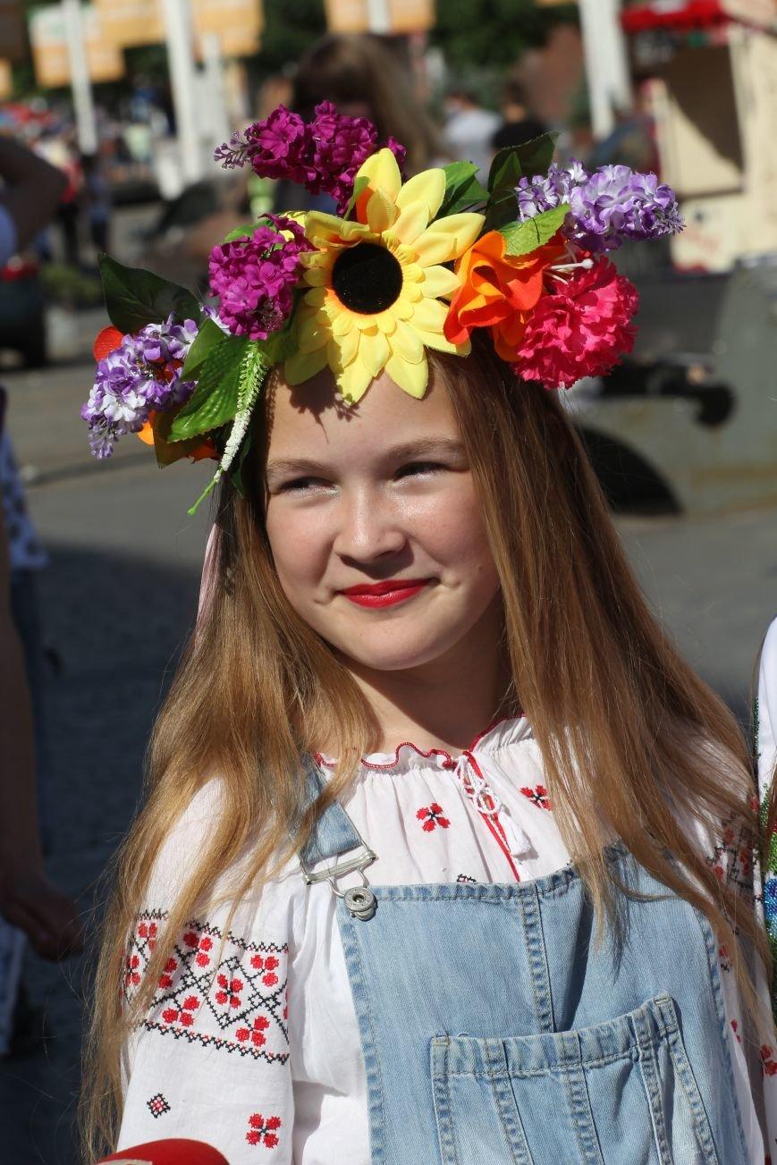 Мегамарш вышиванок в Днепропетровске (ФОТО), фото-1