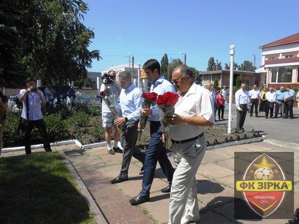 Стадіон «Зірка» радо зустрів Сергія Бубку (фото) - фото 1