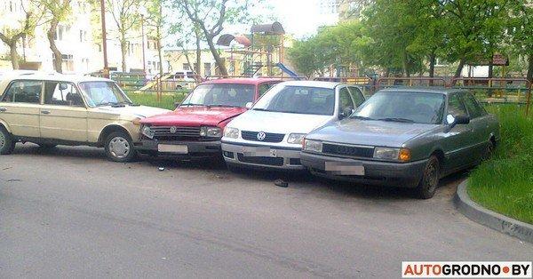 В Гродно у Жигули отказали тормоза: пенсионер-водитель протаранил 5 автомобилей (фото) - фото 1