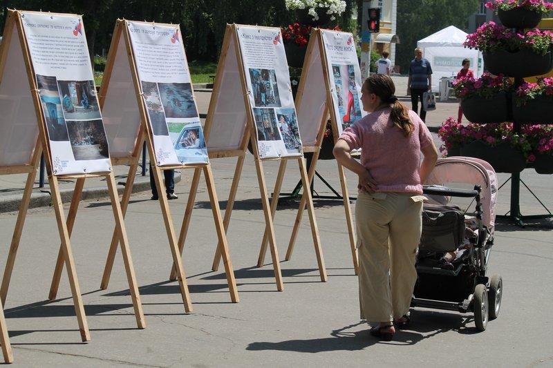 У Житомирі представили фотовиставку «Місто очима Жінок» (фото) - фото 1