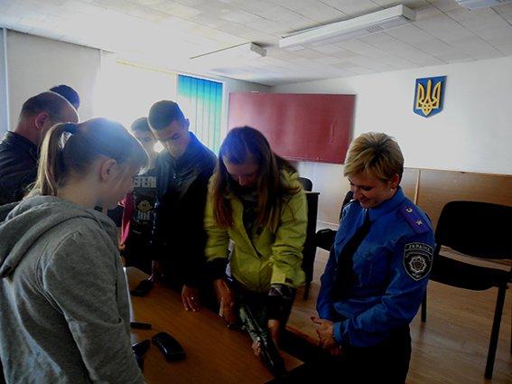 На Хмельниччині школярі готуються до всеукраїнських військово-патріотичних змагань. (фото) - фото 1