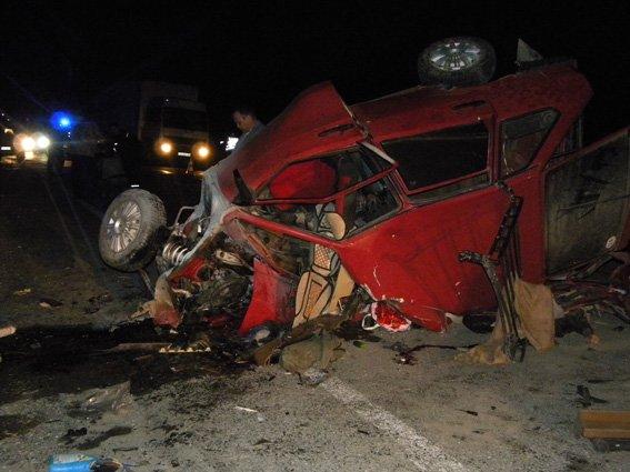 На Ярмолинеччині сталася ДТП: троє загинуло, троє травмовані(ФОТО) (фото) - фото 2