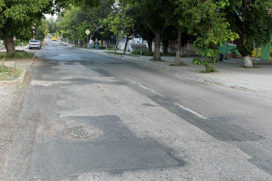 Власти Симферополя поищут нового подрядчика для ремонта ул. Залесской (фото) - фото 1