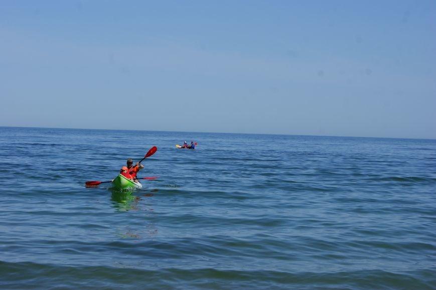 Фотофакт: Одесситы рассекают море на лодках эскимосов (фото) - фото 1