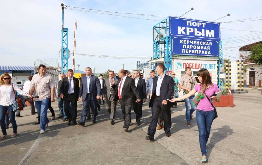 Аксенов пообещал лично дежурить на Керченской переправе в случае критических ситуаций (ФОТО) (фото) - фото 5