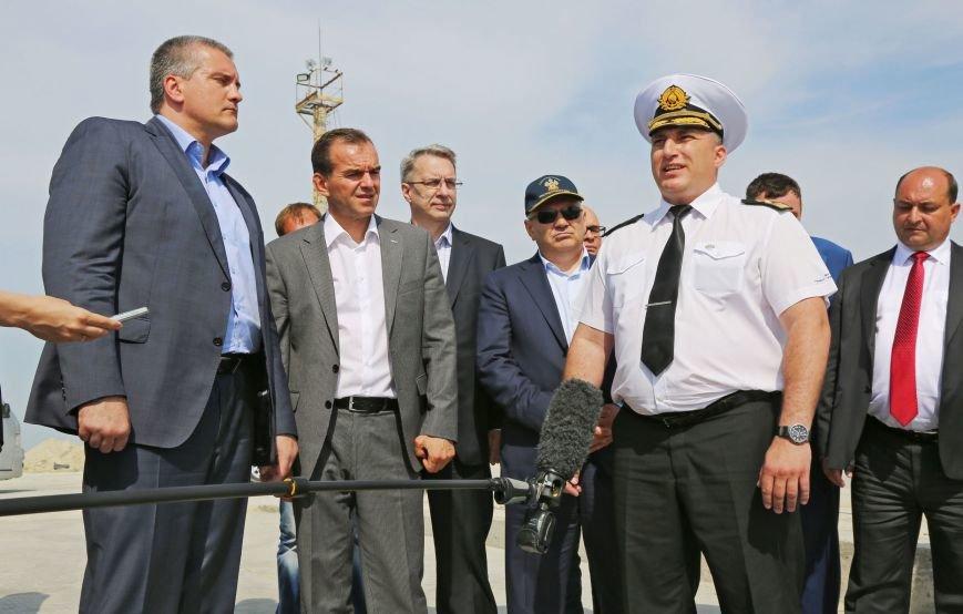Аксенов пообещал лично дежурить на Керченской переправе в случае критических ситуаций (ФОТО) (фото) - фото 2
