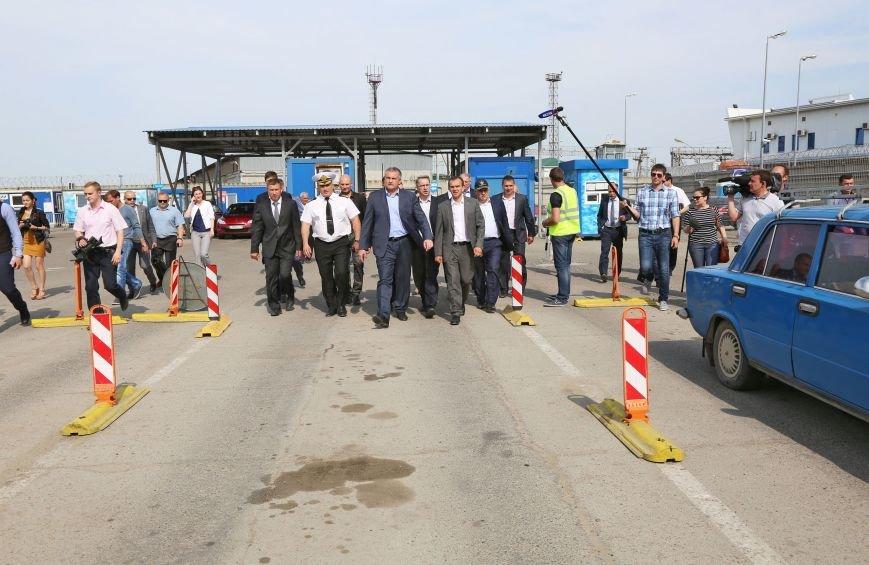 Аксенов пообещал лично дежурить на Керченской переправе в случае критических ситуаций (ФОТО) (фото) - фото 3
