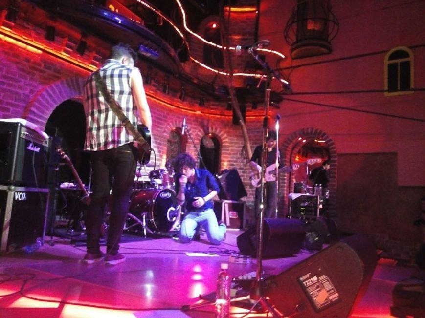 Молодий український рок - гурт запалив львівську публіку (фото) - фото 1