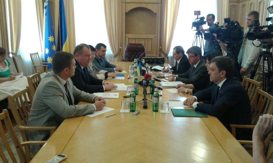 Послы стран Балтии приехали в Днепропетровск говорить о сотрудничестве (фото) - фото 1