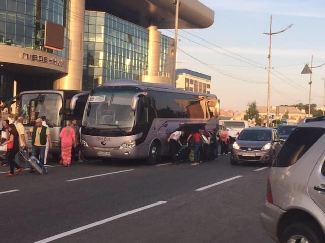 Перевозчики рискуют жизнями пассажиров, - экс-замминистра инфраструктуры (ФОТО) (фото) - фото 1
