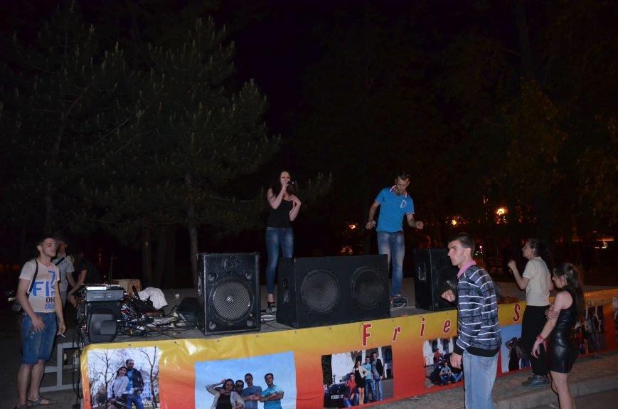 В Мариуполе музыканты-любители устроили концерт под открытым небом (ФОТО+ВИДЕО), фото-9