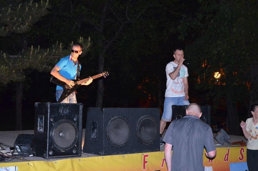 В Мариуполе музыканты-любители устроили концерт под открытым небом (ФОТО+ВИДЕО), фото-7