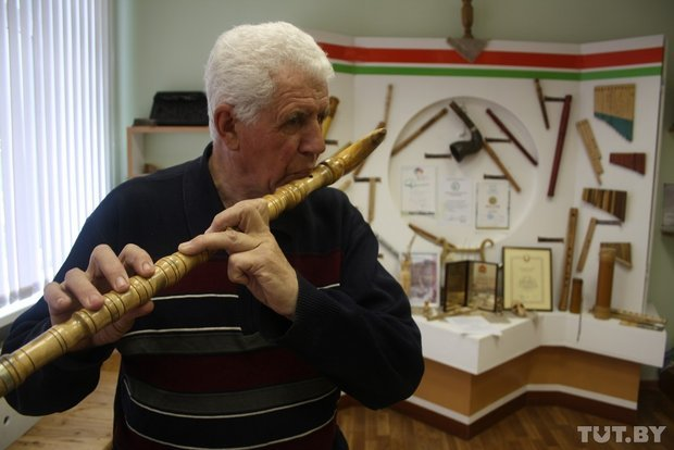 Фоторепортаж: мастер из Гродно 20 лет делает народные музыкальные инструменты (фото) - фото 13