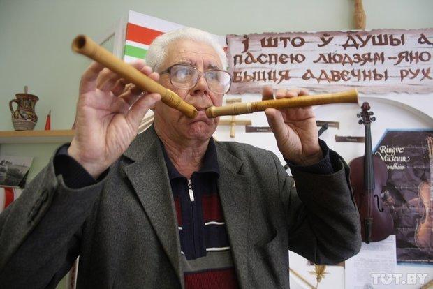 Фоторепортаж: мастер из Гродно 20 лет делает народные музыкальные инструменты (фото) - фото 6