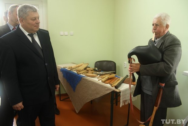 Фоторепортаж: мастер из Гродно 20 лет делает народные музыкальные инструменты (фото) - фото 19