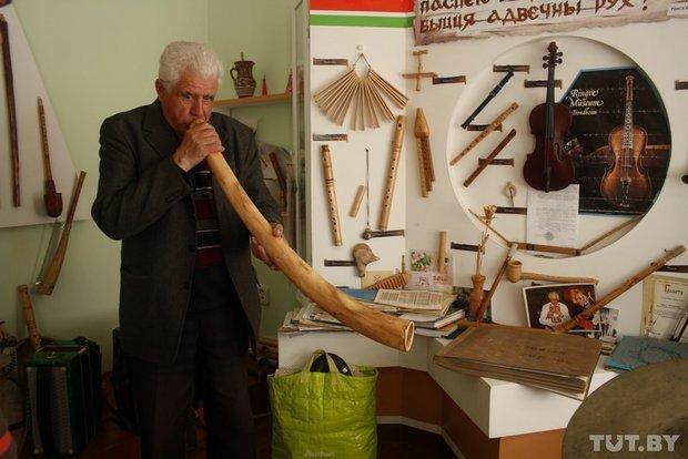 Фоторепортаж: мастер из Гродно 20 лет делает народные музыкальные инструменты (фото) - фото 3