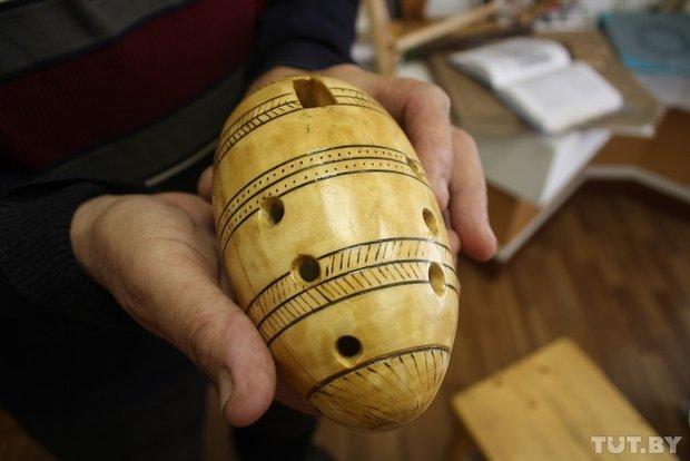 Фоторепортаж: мастер из Гродно 20 лет делает народные музыкальные инструменты (фото) - фото 12