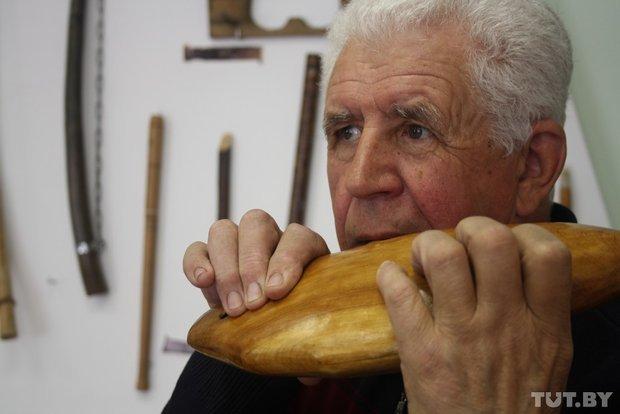 Фоторепортаж: мастер из Гродно 20 лет делает народные музыкальные инструменты (фото) - фото 9