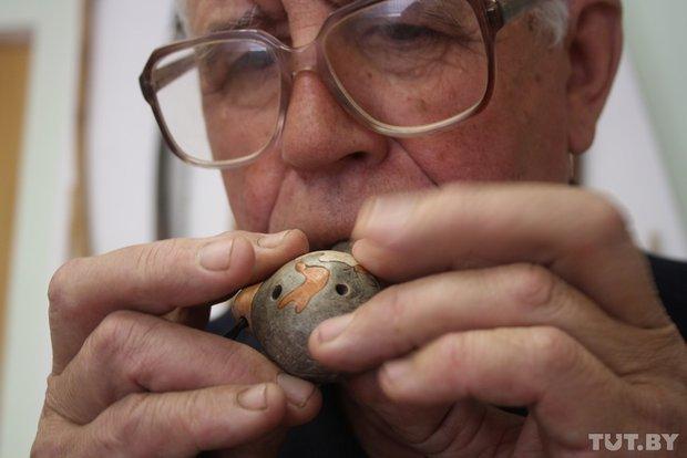 Фоторепортаж: мастер из Гродно 20 лет делает народные музыкальные инструменты (фото) - фото 11