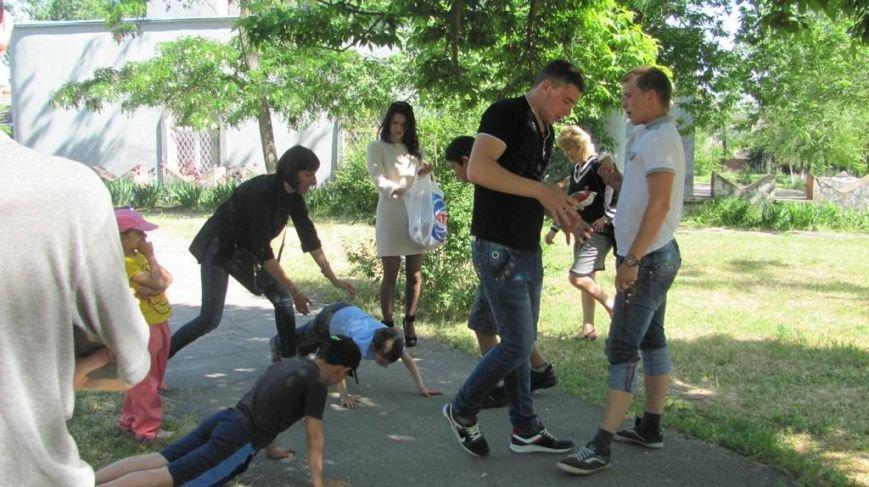 В Днепровском районе отпраздновали День защиты детей страйкболом, фото-2