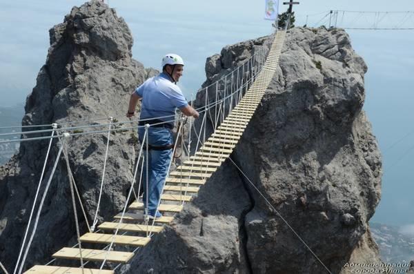 На Ай-Петри теперь можно прогуляться по подвесным мостам на высоте 1200 метров над уровнем моря (ФОТО), фото-4
