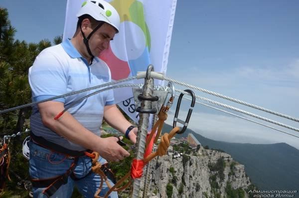 На Ай-Петри теперь можно прогуляться по подвесным мостам на высоте 1200 метров над уровнем моря (ФОТО), фото-1