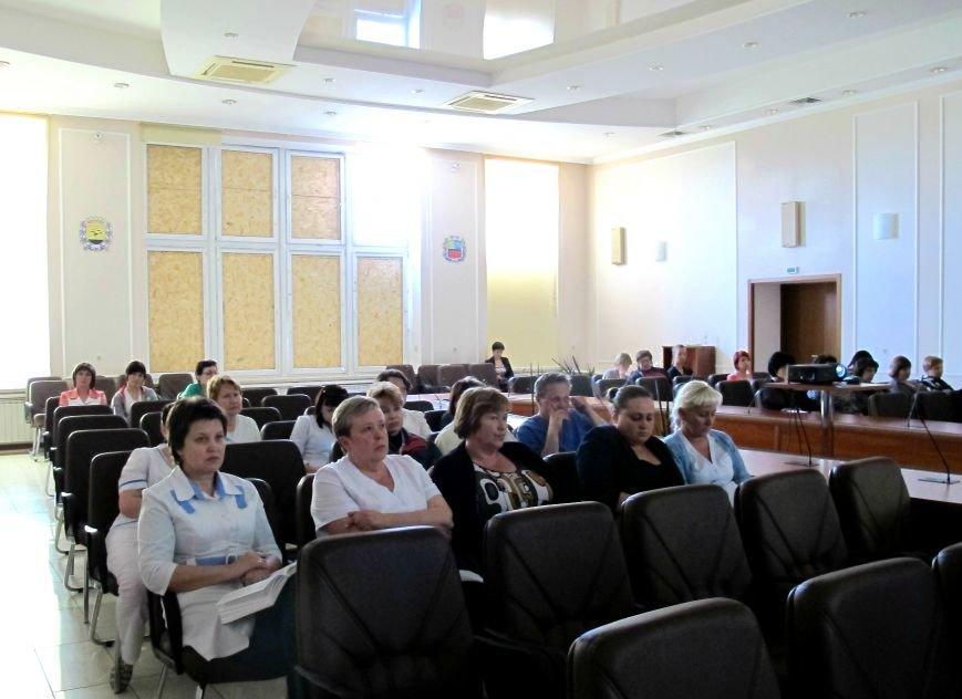 Заводчане слушают лекцию 22