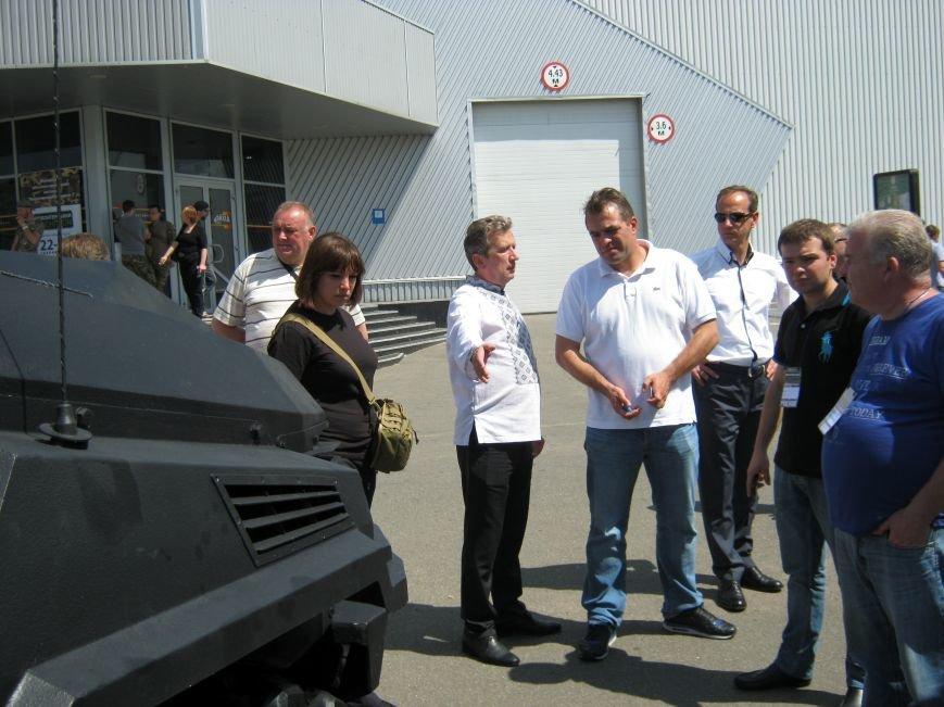 «Волонтерский военпром-2»: КрАЗ – национальная гордость (фото) - фото 1