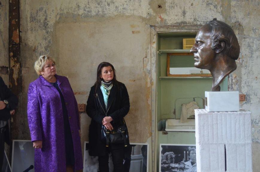 Более тысячи петербуржцев и гостей города посетили музей Бродского (фото) - фото 1