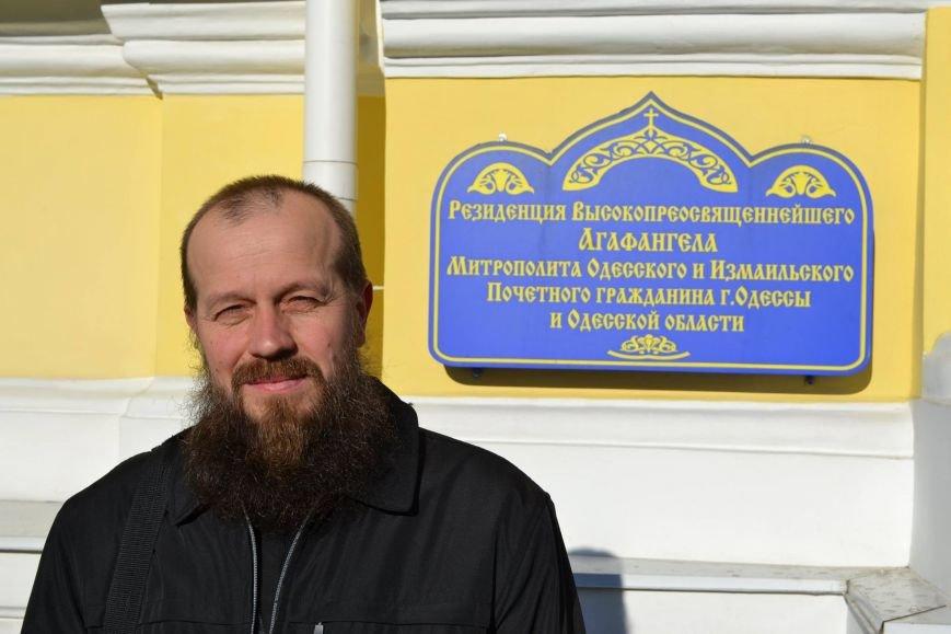 У Агафангела убрали с табличек храмов упоминания о Москве (ФОТОФАКТ) (фото) - фото 1