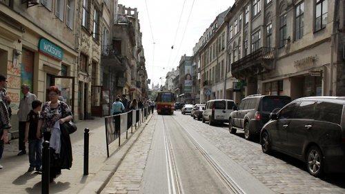 Слідство шукає винних у ДТП, під час якого трамвай збив дівчину на вул. Дорошенка (ФОТО) (фото) - фото 3