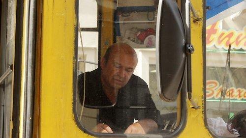 Слідство шукає винних у ДТП, під час якого трамвай збив дівчину на вул. Дорошенка (ФОТО) (фото) - фото 4