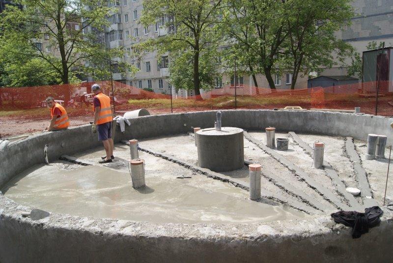 У Тернополі на бульварі Вишневецького вже встановили фонтан (фото) (фото) - фото 1
